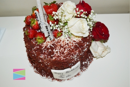 red-velvet-white-chocolate-crumble-cake-3